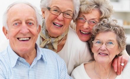 Seleção, capacitação, consultoria e acompanhamento a cuidadores de idosos.